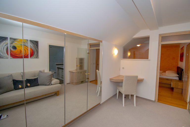 Villa Salza Obergeschoß - Elternschlafzimmer Umkleideraum